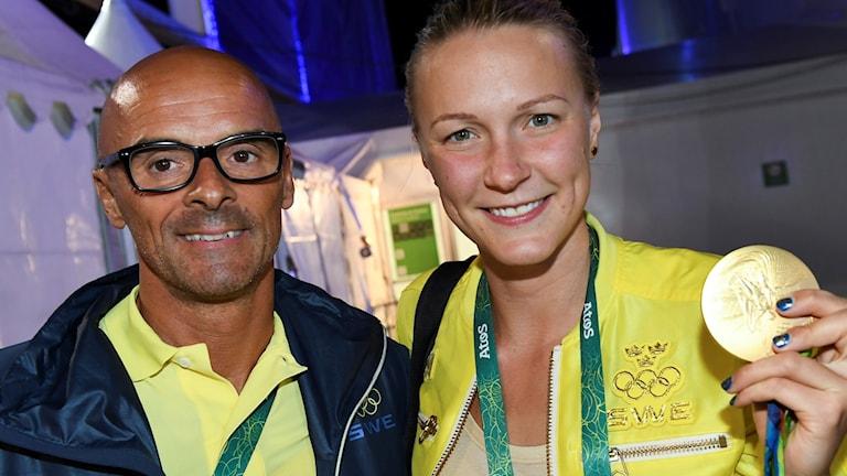 Carl Jenner och Sarah Sjöström.
