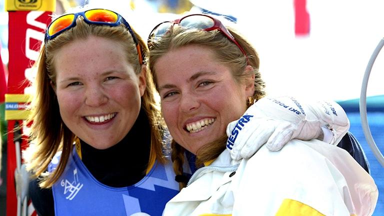 2012-03-12 Anja Pärson och Pernilla Wiberg på OS i Salt Lake City 2002. Foto: Jonas Ekströmer/Scanpix