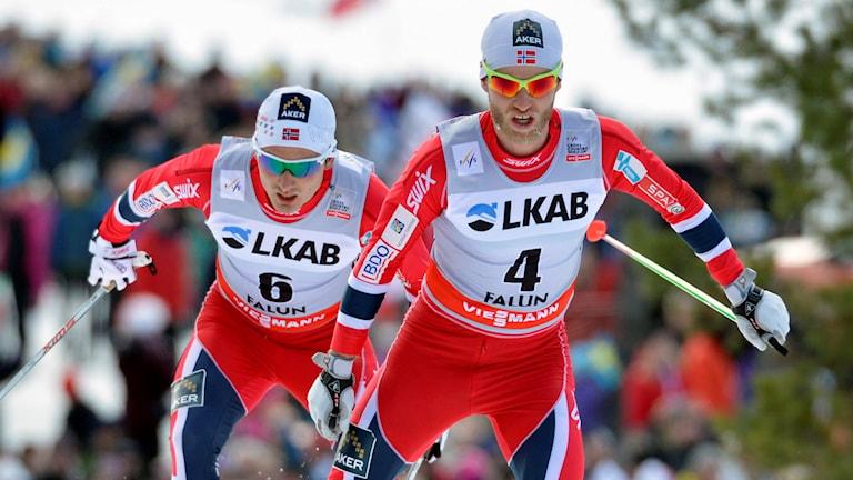 Norska skidåkarna Martin Johnsrud Sundby och Finn Hågen Krogh i spåret.