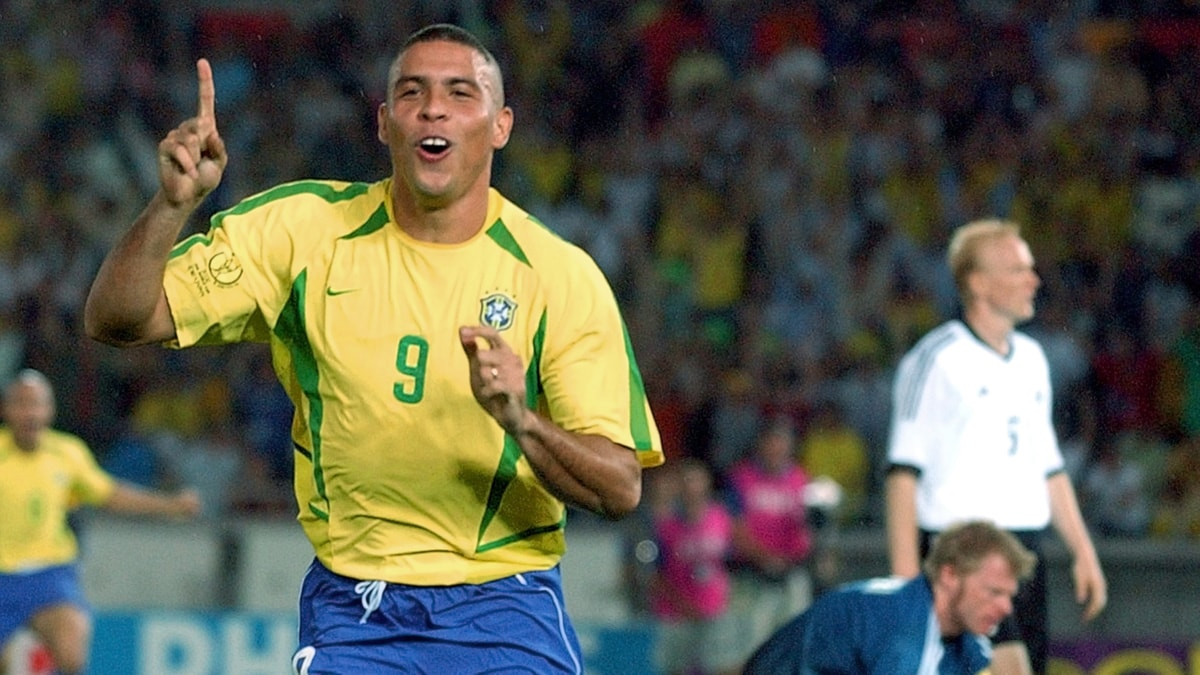 2012. Ronaldo 2002