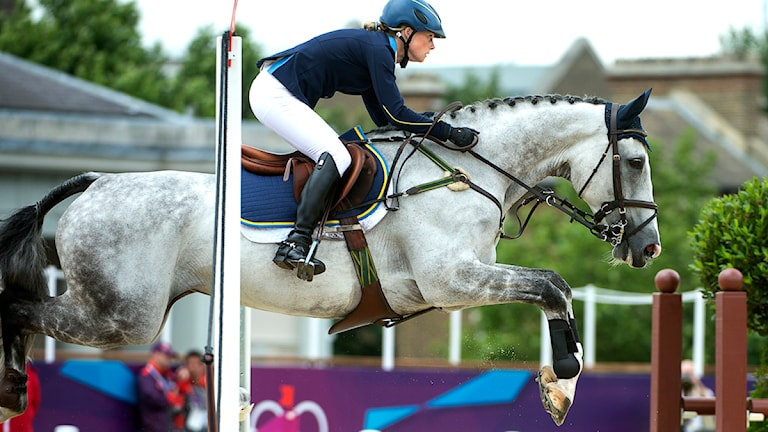 Sara Algotsson Ostholt och hästen Wega tog OS-silver i fälttävlan i London. Foto: Maja Suslin/Scanpix.