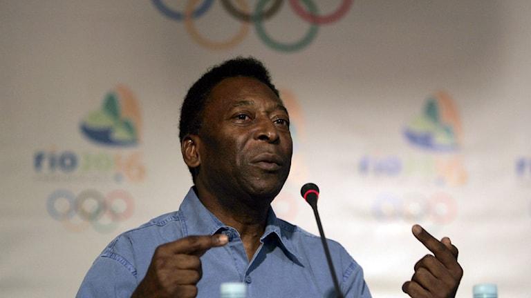 Pele, en av de som hjälpte till att få OS till Rio, är imponerad av OS i London.