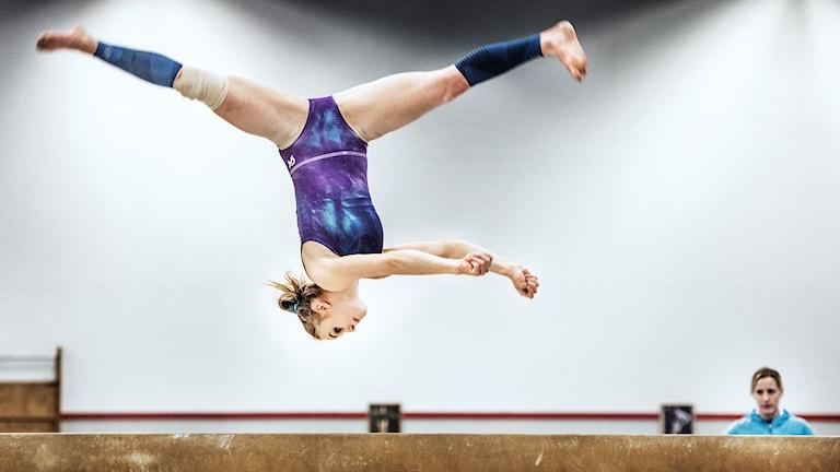 ESKILSTUNA 2016-03-02 Gymnasten Jonna Adlerteg tränar  Foto: Tomas Oneborg / SvD / TT /