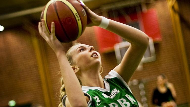 Basket, damligan, Telges Paulina Hersler.