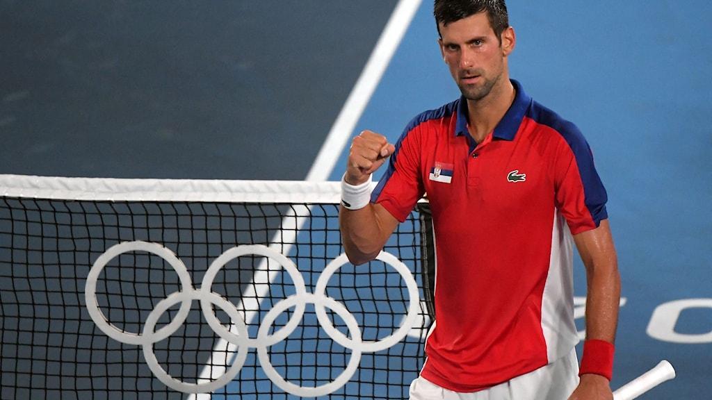 Djokovic enkelt till OS-semifinal