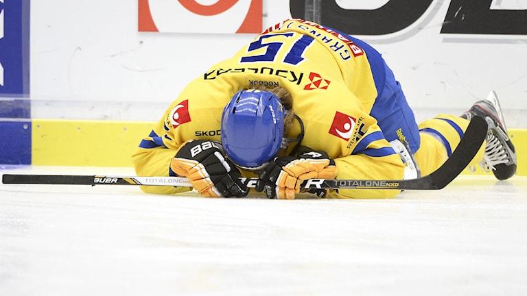VÄXJÖ 2013-04-05 Tre Kronors Jonathan Granström under landskampen i ishockey mellan Sverige och Slovakien på Vida Arena i Växjö på fredagen. Foto Mikael Fritzon / SCANPIX