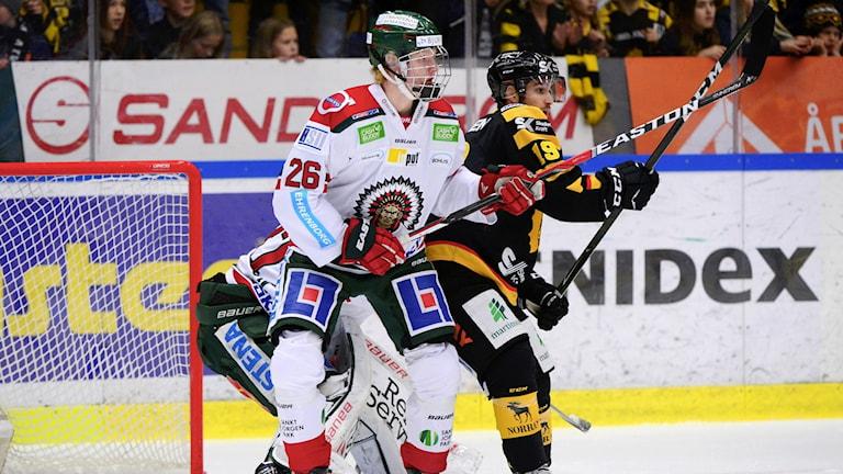 Rasmus Dahlin, född 2000, i sin SHL-debut.