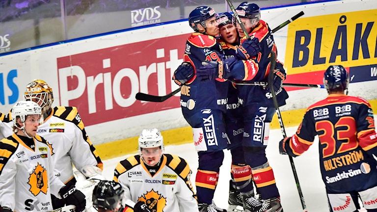 dif jublar efter 2-0 hockey