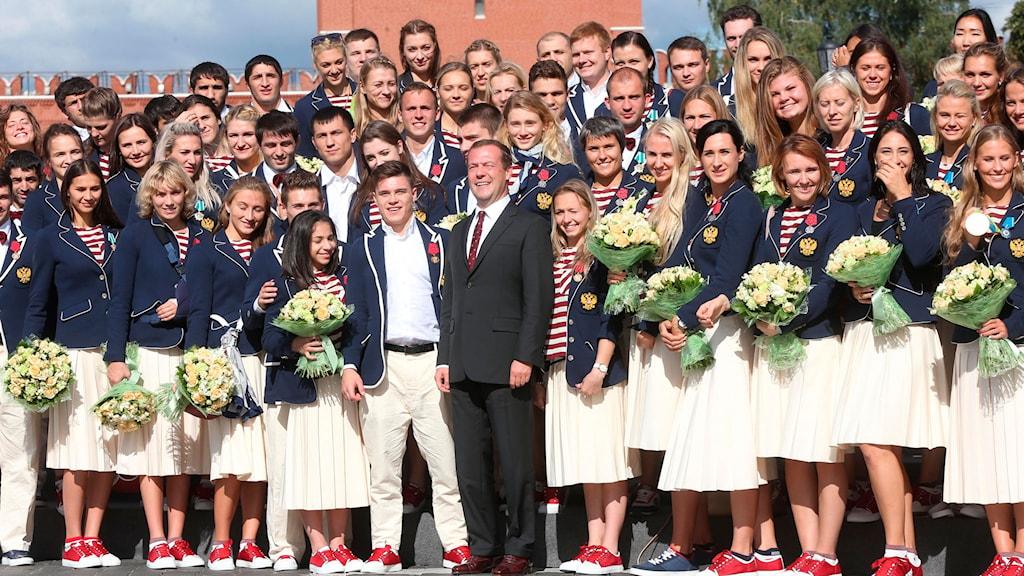 Dimitrij Medvedev gratulerade i går de ryska OS-medaljörerna.