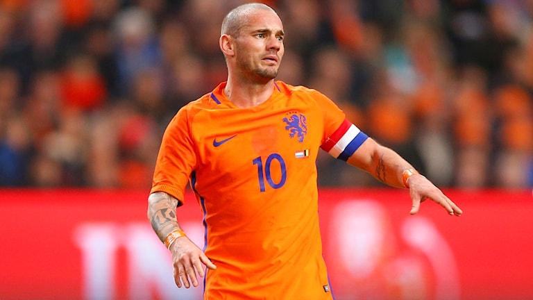 Wesley Sneijder får inte spela mot Sverige.