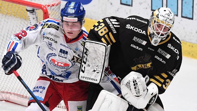 Oskarshamns John Dahlström mot AIKs Johannes Jönsson