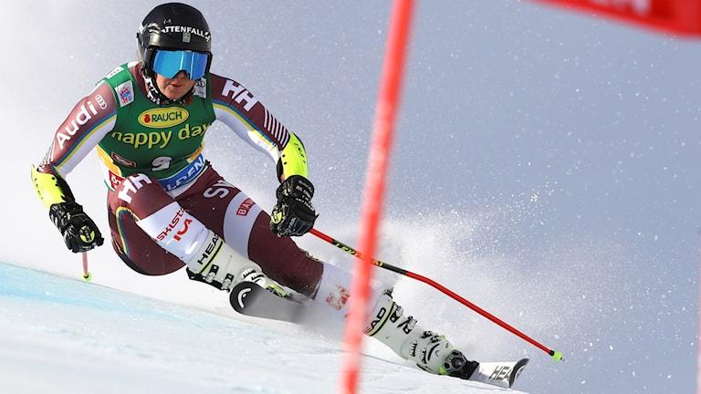 Sara Hector inledde säsongen i Sölden.