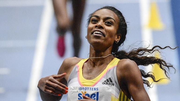 STOCKHOLM 2014-02-06 Etiopiens Genzebe Dibaba satte nytt världsrekord på damernas 3000 meterslopp under XL-galan på Globen i Stockholm på torsdagen. Foto: Janerik Henriksson / TT