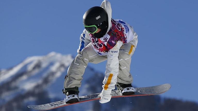 20140208 Snowboardåkaren Sven Thorgren under slopestyletävlingarna vid OS i Sotji. Foto: Sergei Grits/TT