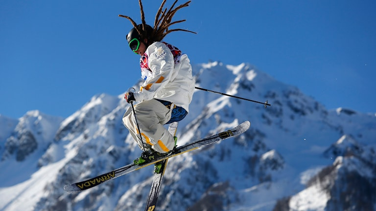 Henrik Harlaut i slopestyle skidor i Sotji-OS. Foto: AP Photo/Sergei Grits/TT.