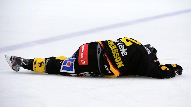 2014, Erik Andersson fick en tackling av Milan Gulas. Foto: TT