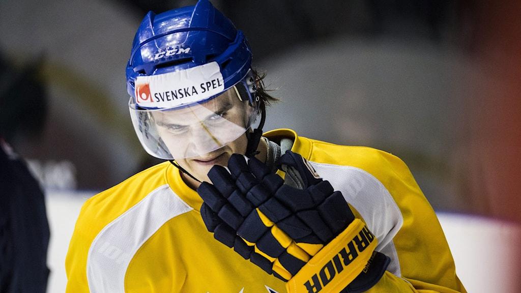 STOCKHOLM 20140429 Tre Kronors Mikael Backlund tränar på Hovet inför Oddset Hockey Games.