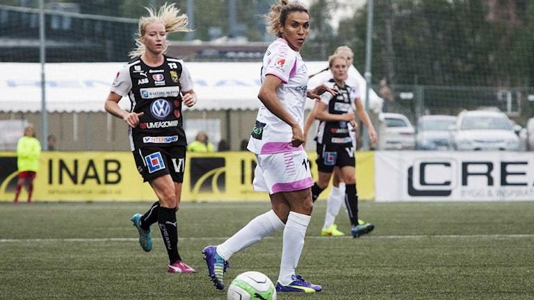 Marta hade några skott på mål i sin första match med Rosengård. Foto: Anna Karin Drugge/TT