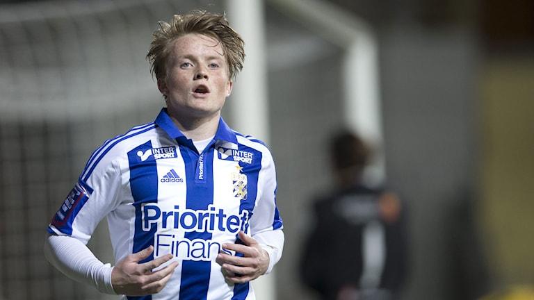 Sam Larsson i Göteborgströjan. Foto: Björn Larsson Rosvall/TT