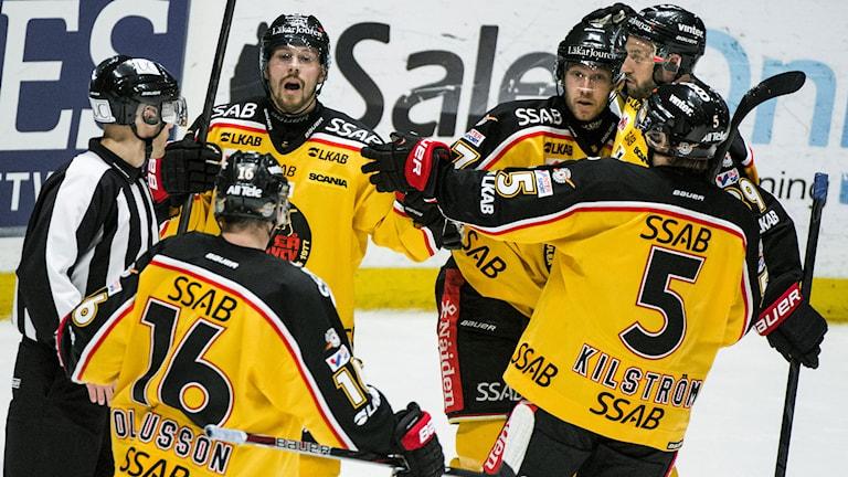 STOCKHOLM 20130117 Luleå-jubel efter Toni Koivistos 2-1 mål under torsdagens elitseriematch i ishockey mellan AIK och Luleå på Hovet i Stockholm. Foto: Claudio Bresciani / SCANPIX
