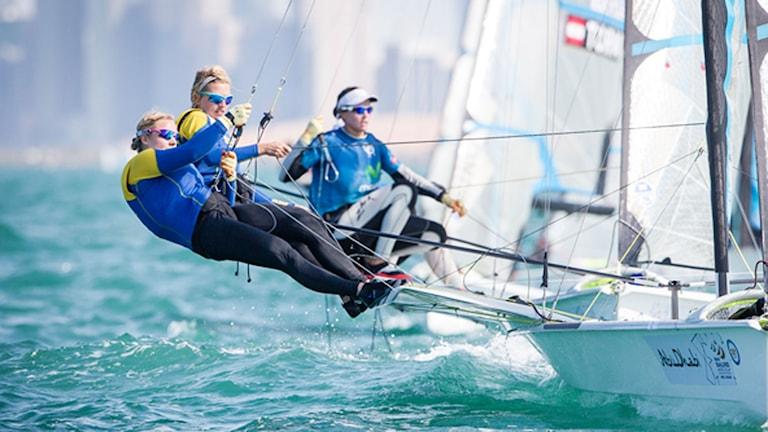 Lisa Ericson och Hanna Klinga i 49erFX-klassen. Foto: Jenus Renedo/Sailing Energy/ISAF