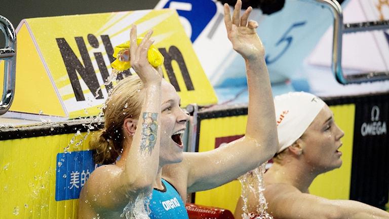 Sarah Sjöström satte världsrekord på 100 meter fjäril under kortbane-VM i Doha. Foto: Jessica Gow/TT