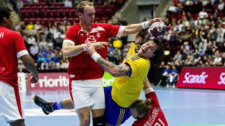 Henrik Toft Hansen stoppar Andreas Nilsson