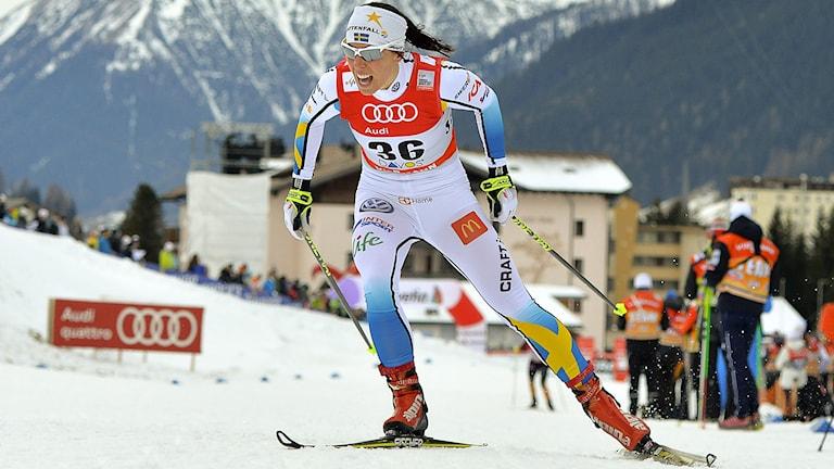 DAVOS 2014-12-14 Charlotte Kalla (SWE) kvalificerade sig till kvartsfinalerna med fjärde bästa tid när sprinttävlingarna kördes i Davos på söndagen. Foto: Anders Wiklund / TT