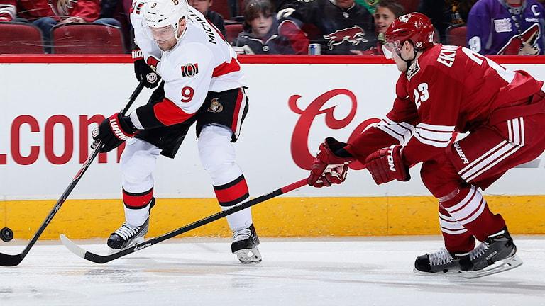 Milan Michalek, Ottawa Senators och Oliver Ekman Larsson, Arizona Coyotes. Foto: Christian Petersen/TT.