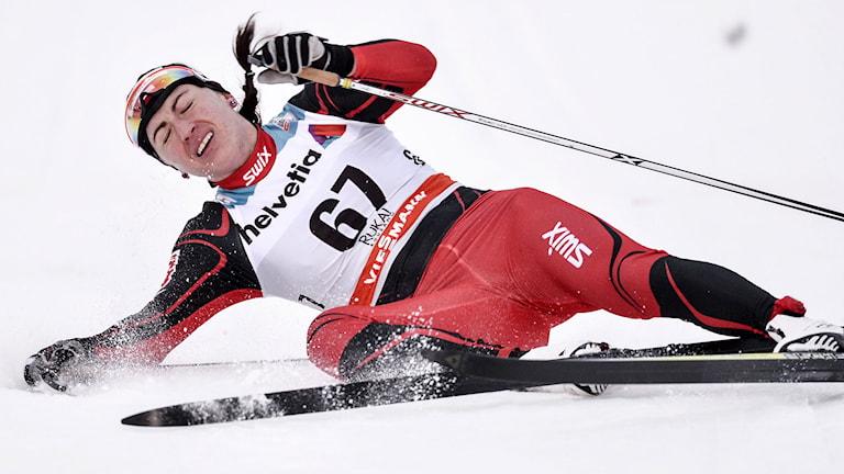 RUKA 2014-11-30 Polens Justyna Kowalczyk går i mål i damernas 10 km (k) när vid söndagens världscuptävlingar i finska Ruka. Foto: Anders Wiklund / TT