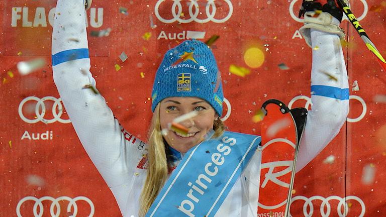 Frida Hansdotter jublar efter seger i VC-slalomen i Flachau. Foto: Kerstin Joensson/AP/TT