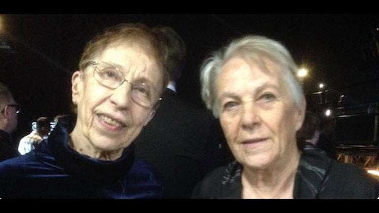 Irma Johansson och Britt Strandberg, OS-guld i stafett 1960. Ikväll bejublade prisutdelare av Bragdguldet. Foto: Alexander Lundholm/SR
