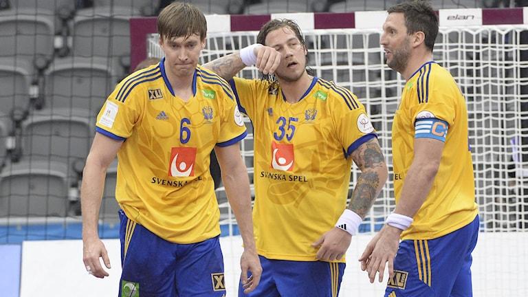 Swedish players Jonas Källman, Andreas Nilsson and Tobias Karlsson after the match. Photo Jonas Ekströmer / TT.