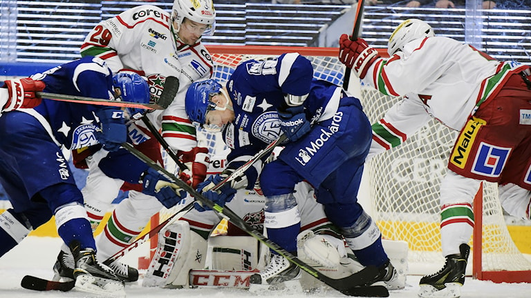Kommer SHL-ishockey uteslutande spelas i stora städer framöver? Diskussion i veckans avsnitt av Radiosportens Hockeypodd. Foto: Ulf Palm / TT.