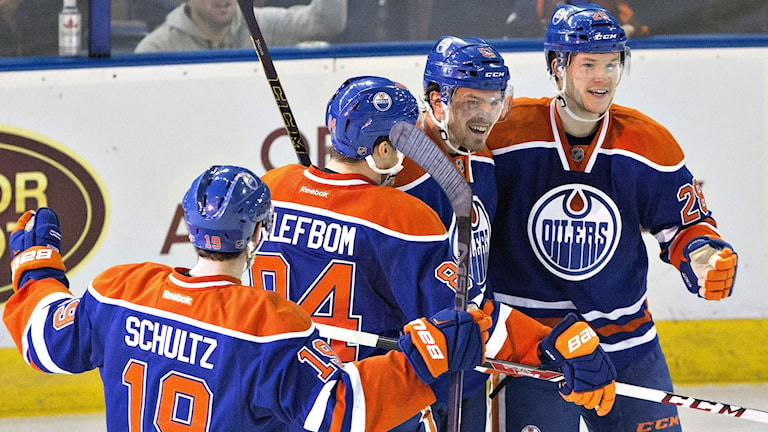 2015 Edmonton jublar efter mål. Svenske Oscar Klefbom i mitten. Foto: Jason Franson/TT