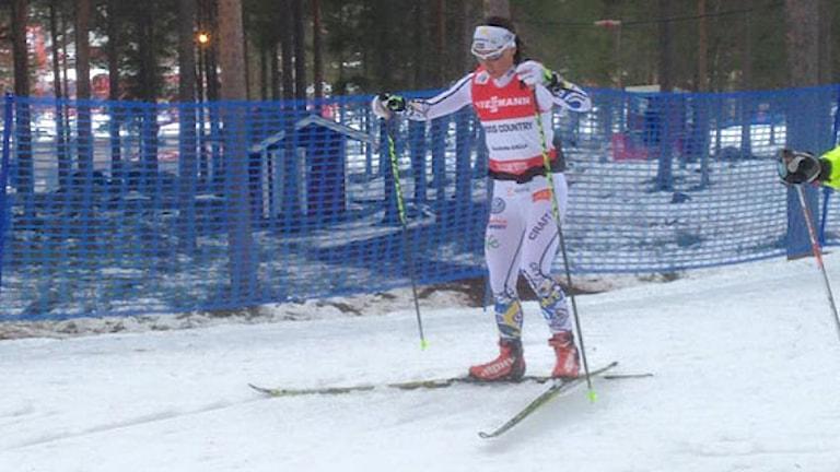 """Charlotte Kalla tränar i Faluns """"Mördarbacke"""". Foto: Alexander Lundholm/Sveriges Radio"""