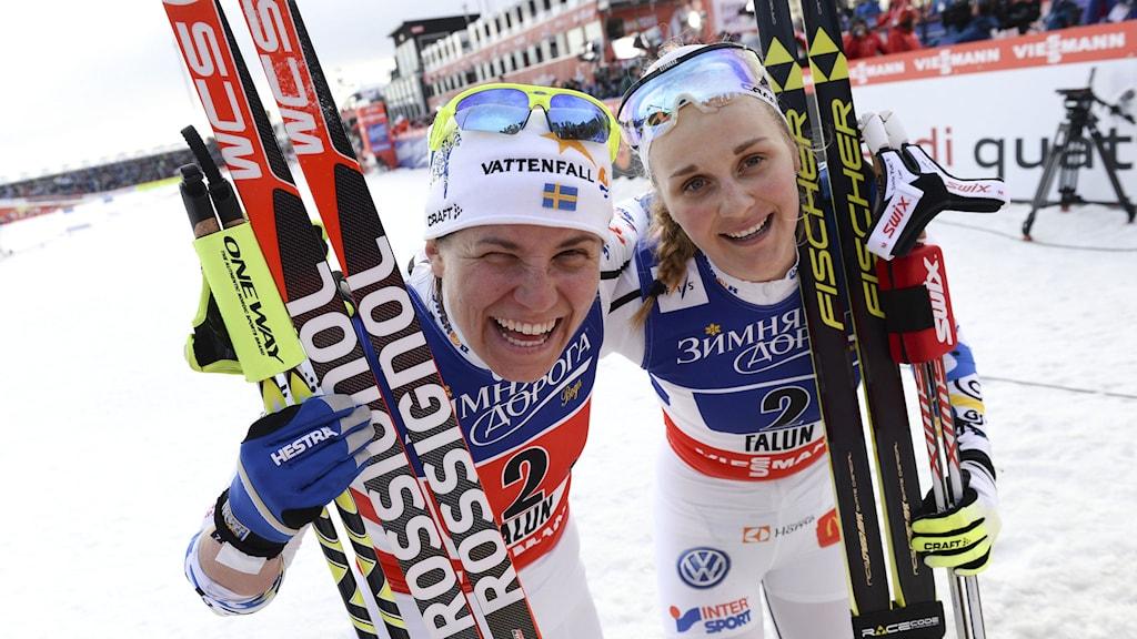 Silverdamerna Ida Ingemarsdotter och Stina Nilsson. Foto: Fredrik Sandberg/TT