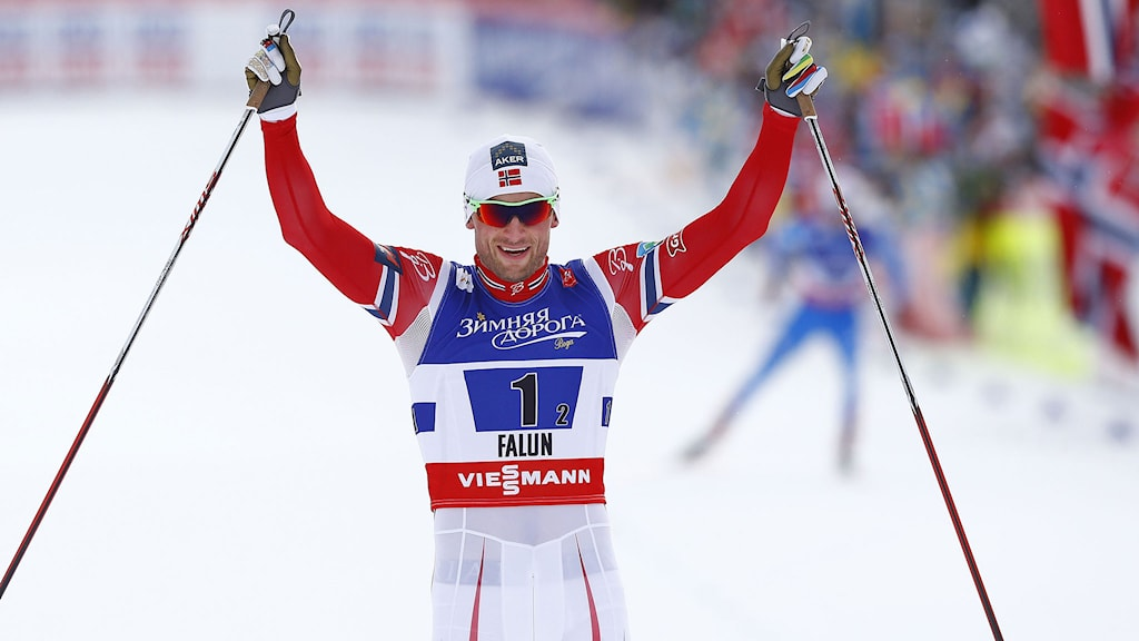 Petter Northug jublar efter teamsprinten i VM i Falun