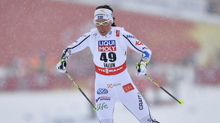 Charlotte Kalla under guldloppet. Foto: Anders Wiklund / TT