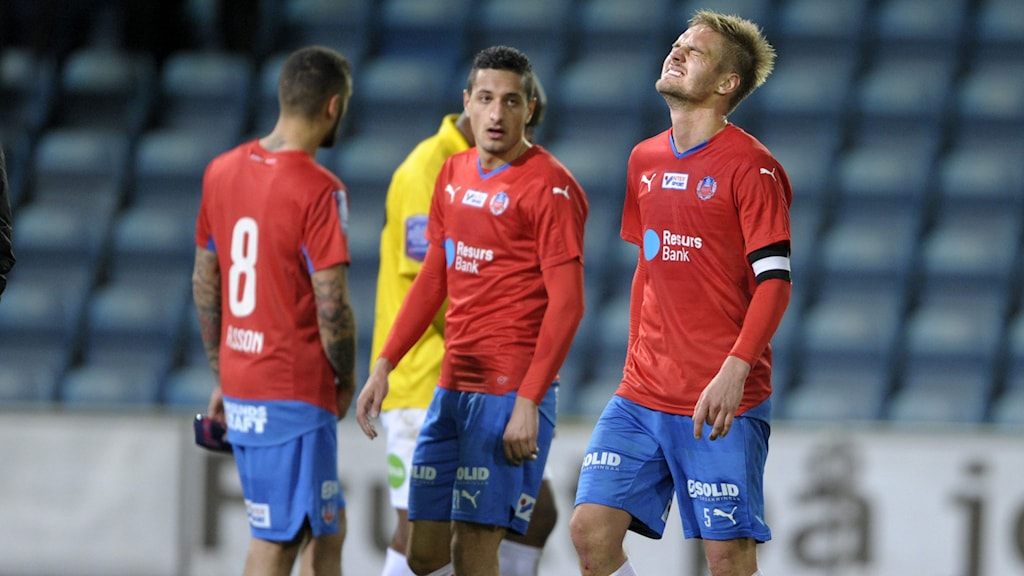 Helsingborgs Victor Palsson, Mohamed Ramadan och Johan Mårtensson mot Falkenberg