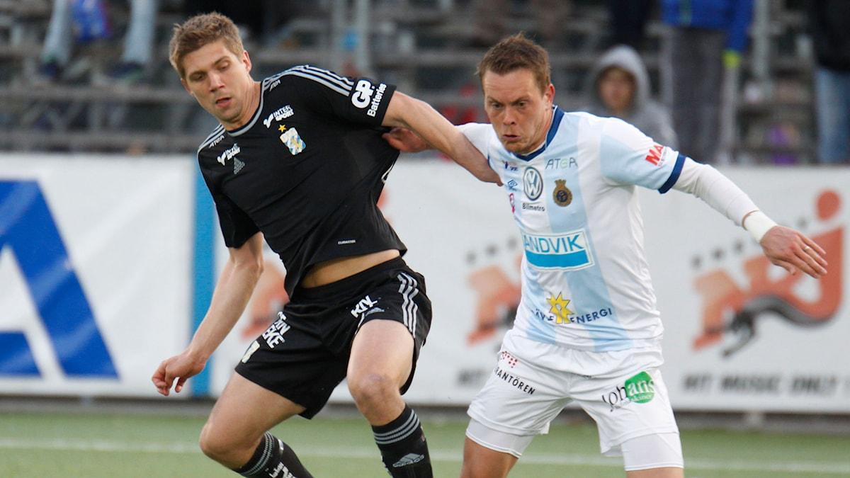 IFK:s Mikael Boman jagas av Jens Olof Portin