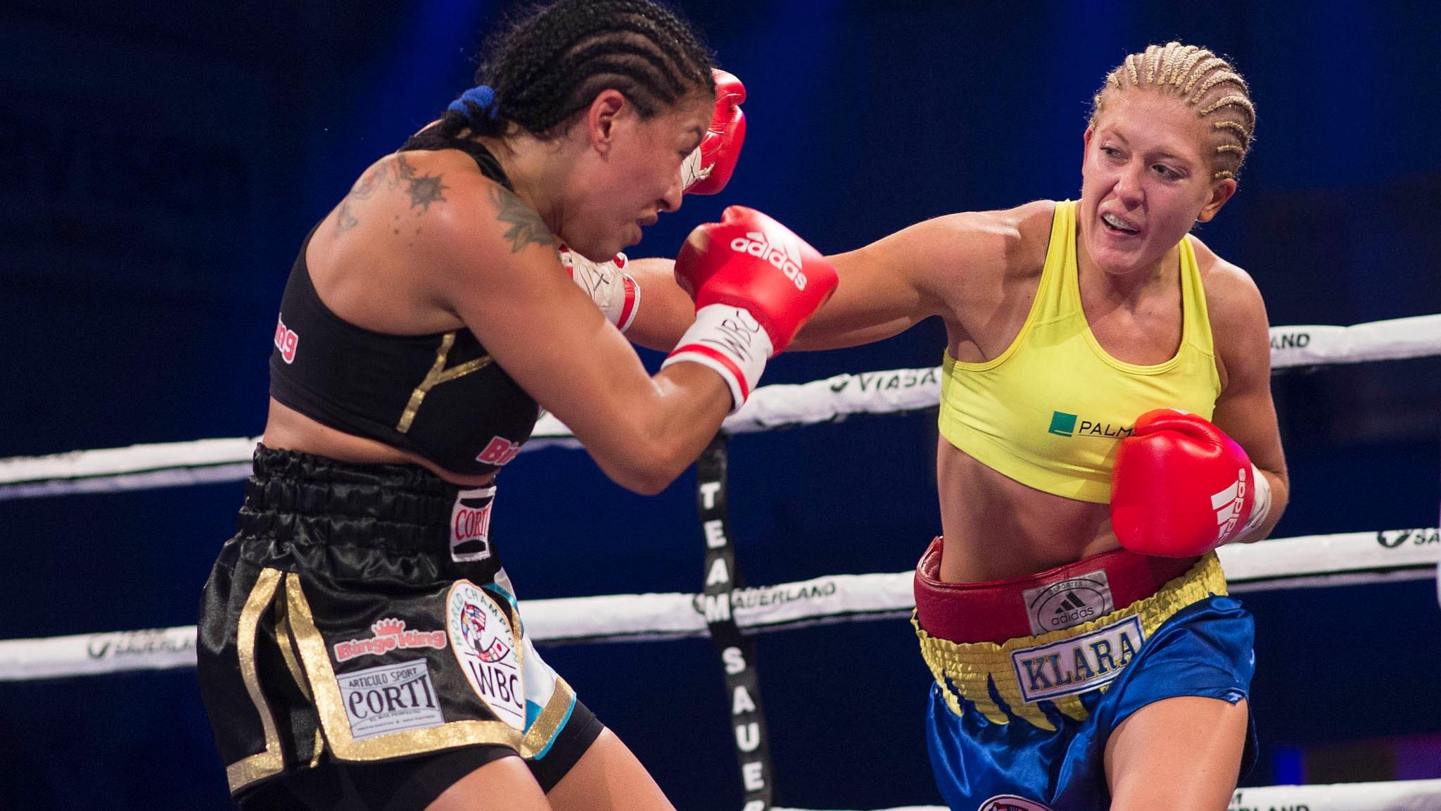 Klara Svensson förlorade titelmatchen mot argentinskan Erica Farias. Foto: Thomas Sjørup/TT.