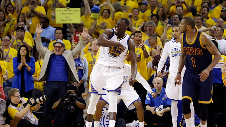 20150604 Golden States Draymond Green jublar i finalen mot Cleveland Cavaliers. Foto: Ben Margot/AP photo