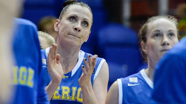 SOPRON 20150615 Sveriges Anna Barthold under matchen mot Spanien under basket-EM i Sopron på måndagen. Foto: Janerik Henriksson / TT.