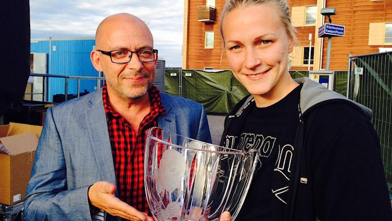 Radiosportens chef Markus Boger och Sarah Sjöström