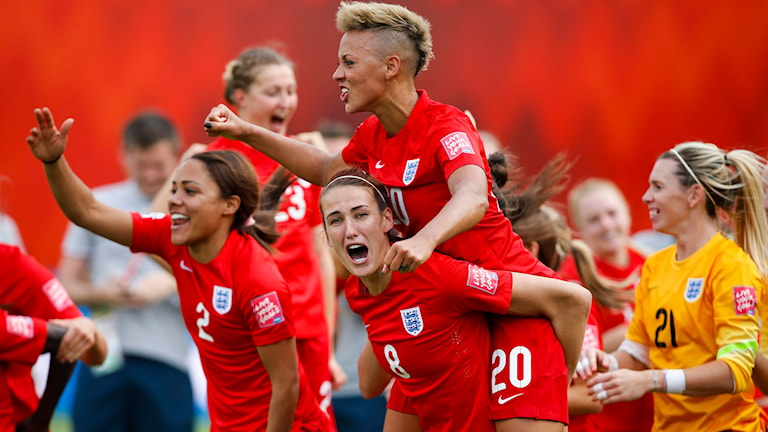 20150704 England firar efter att ha tagit bronset. Foto: Jeff McIntosh/The Canadian Press