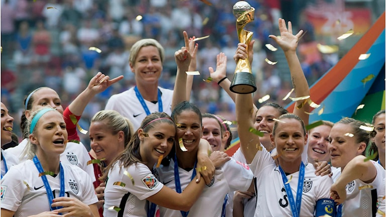 VM 2015 USA firar sitt VM-guld. Foto: Darryl Dyck/TT