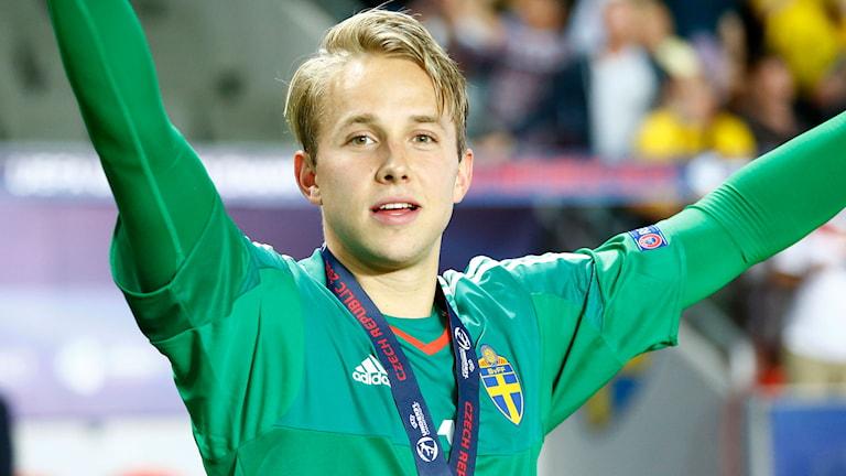 Patrik Carlgren räddade den avgörande straffen i EM-finalen mot Portugal. Foto: TT