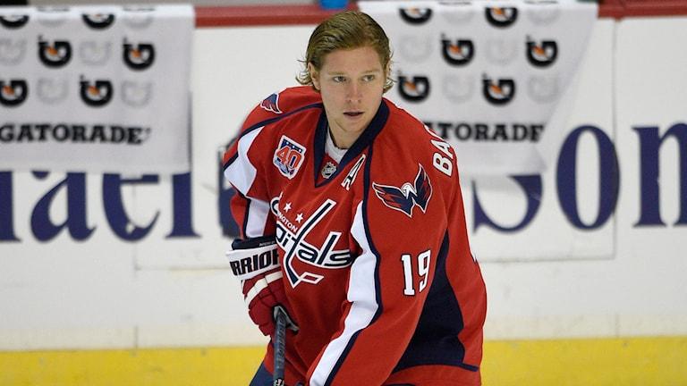Nicklas Bäckström i Washington-tröjan. Foto: Nick Wass/AP/TT