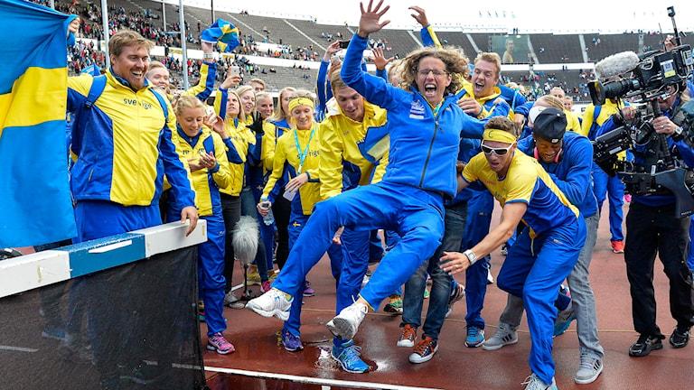 Så här såg det ut i Helsingfors förra året efter Sveriges dubbelseger, får vi se Karin Torneklint i vattengraven på Stadion i helgen? Foto: Anders Wiklund/TT